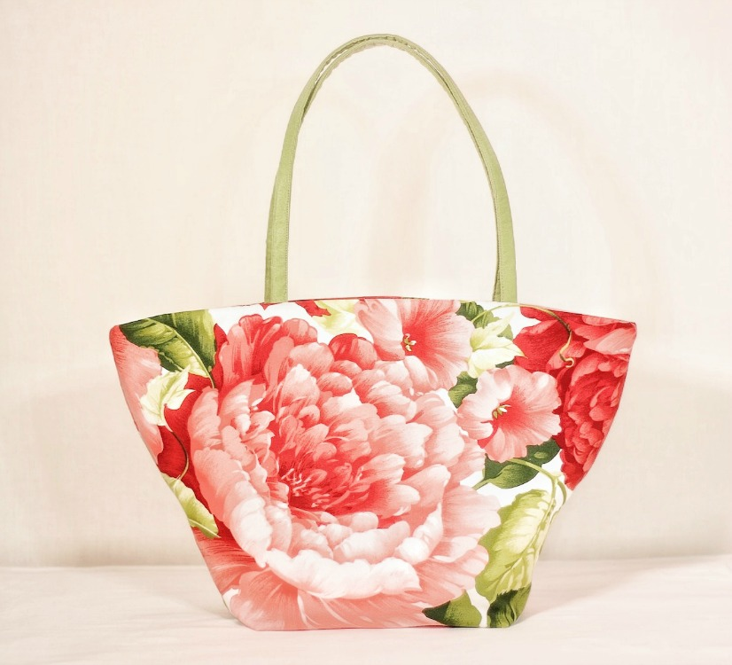 large-scale-floral-trapeze-tote.jpg