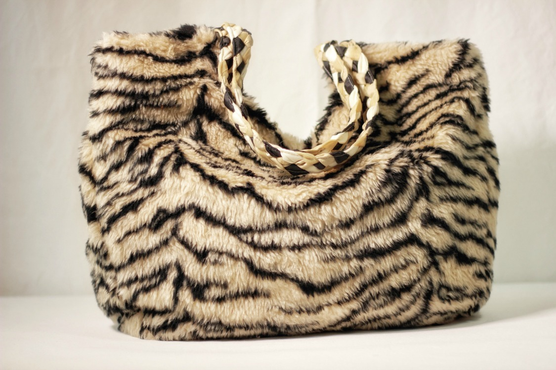 Above:  Be fall fashion fierce with a faux fur tote DIY style. Made with faux fur fabric. Lined with polyester cotton.