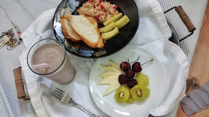 Above:  A teenager's breakfast; smoothie, French bread, tuna, avocado and fruits - Good morning!