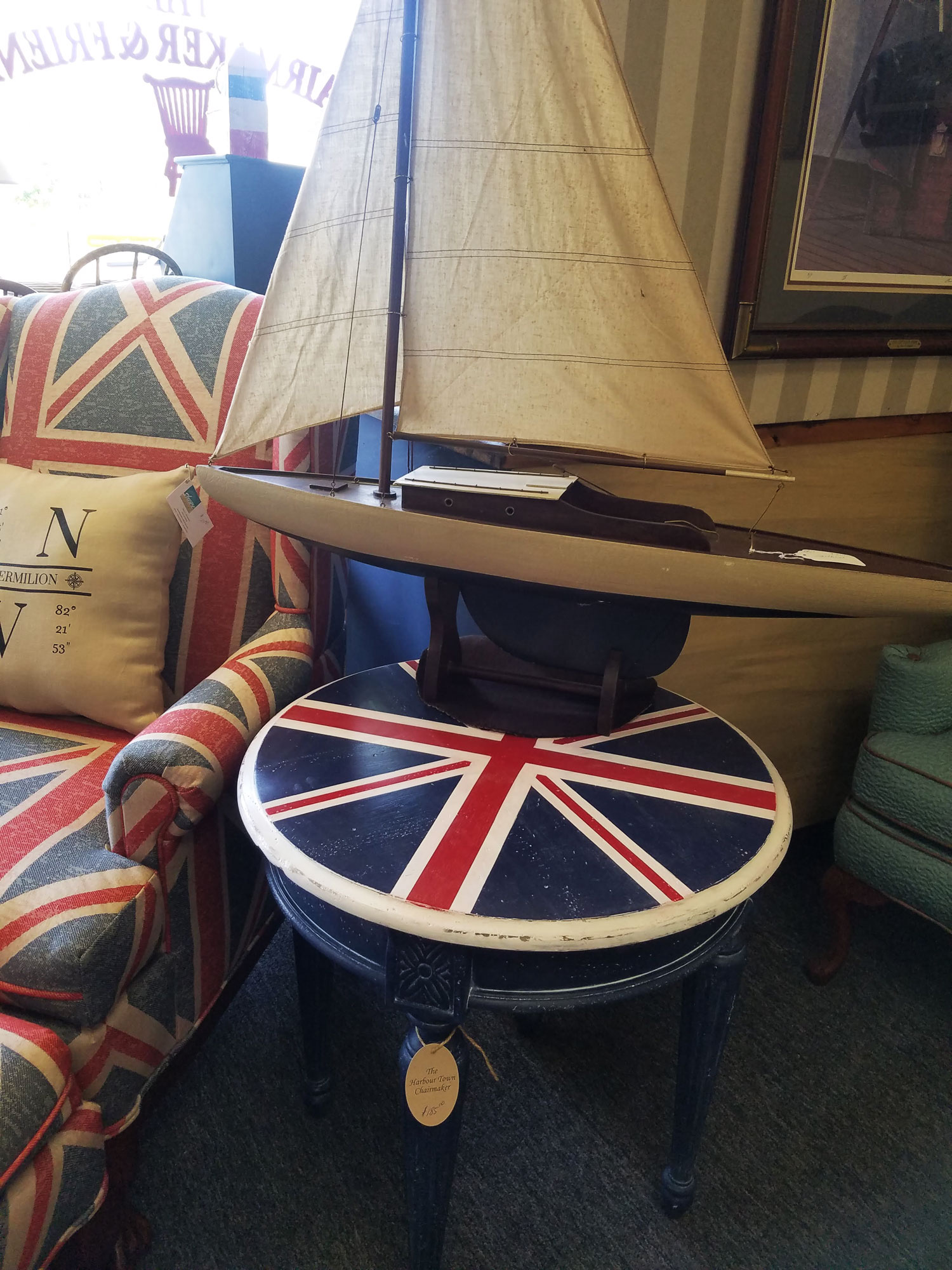 Union_Jack_And_Chair.jpg