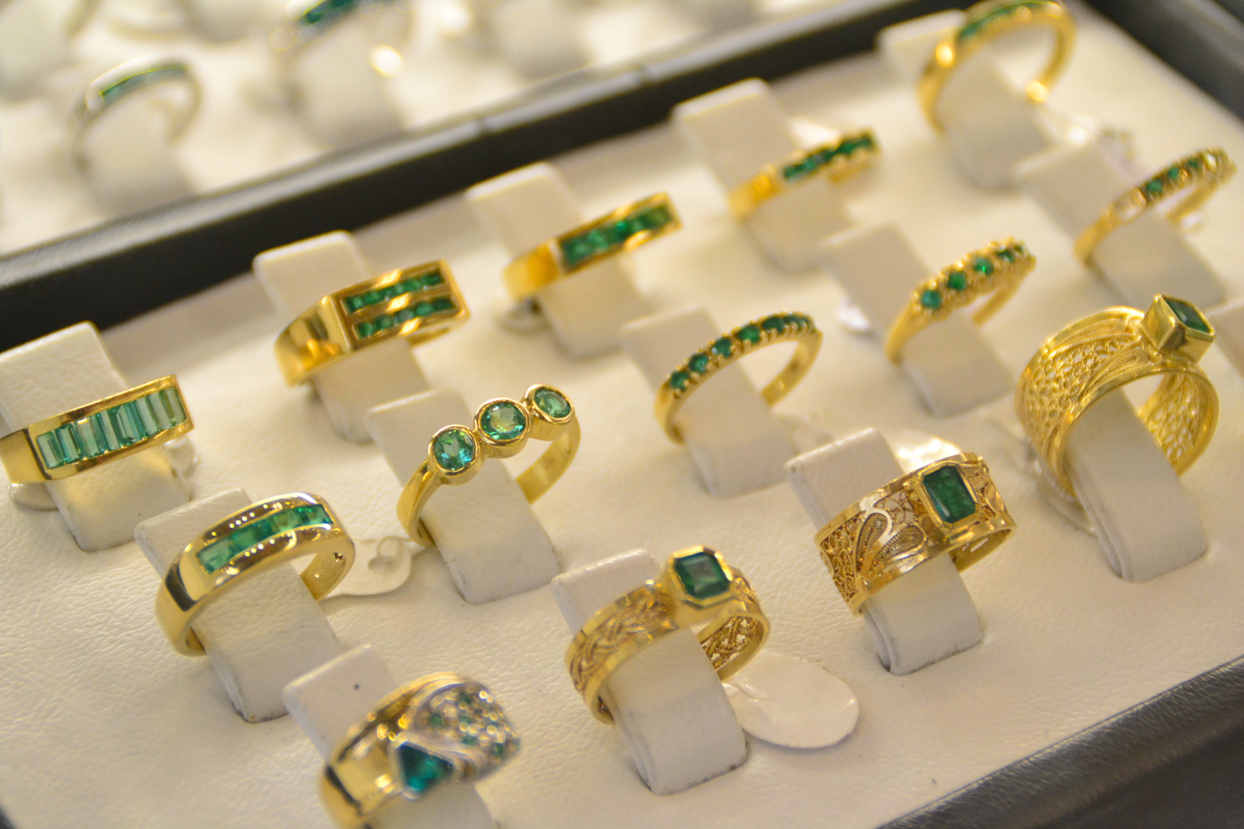 emerald shopping -