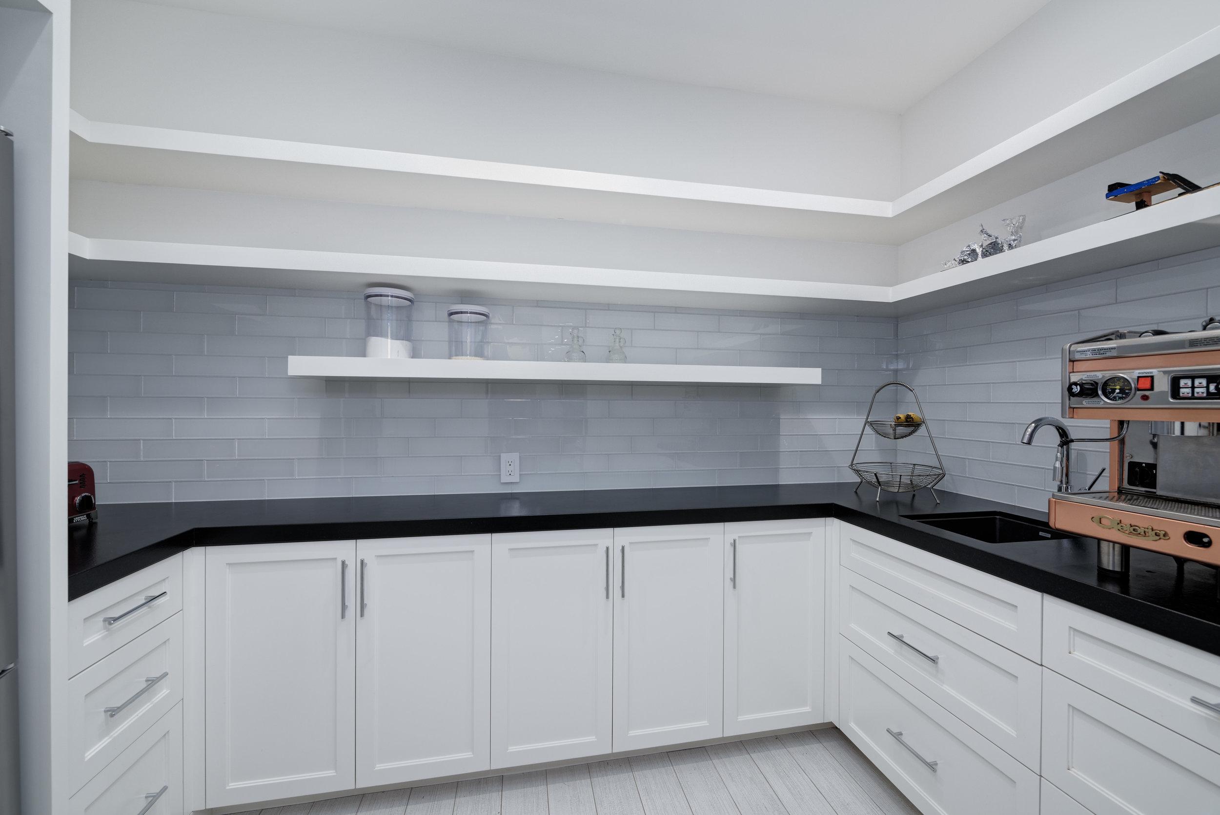 17_kitchen pantry.jpg