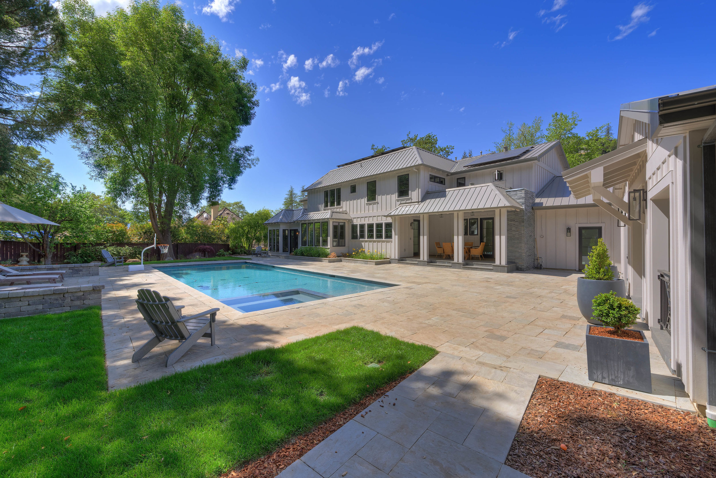 44_back of house from poolhouse.jpg