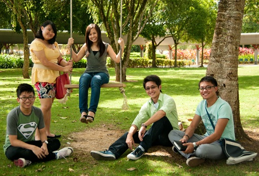 Students-of-Curtin-University-Sarawak.jpg