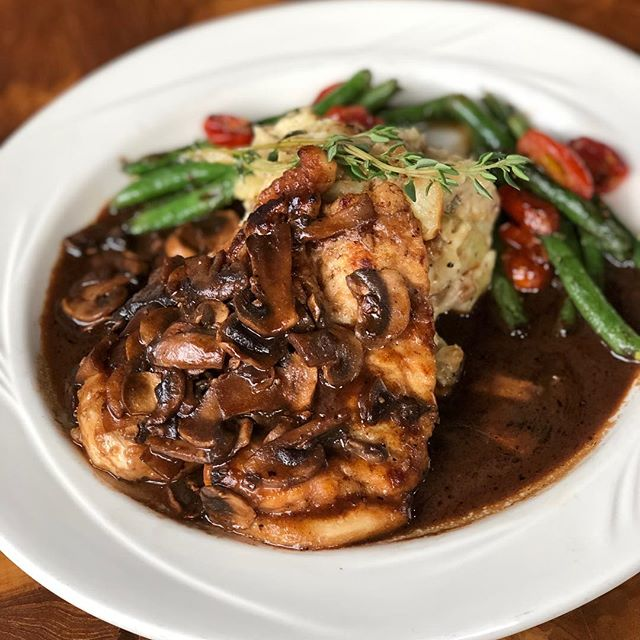 Tonight's dinner special features a Balsamic Mushroom Chicken served with smashed potatoes and veggies. . . Start off your meal with our appetizer special: Smoked Jamaican Jerk Wings! #redchairmt #bozeman #saturday #dinner #special