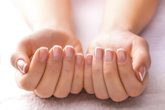 zmiany-na-paznokciach-zobacz-jaka-chorobe-sygnalizuja_3381885.jpg