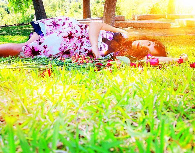 @ashleyhorndance_and_design has set a new work on @thepilotdanceproject ! The Sun Was Wild With Sunshine premieres September 14-16 at @matchouston ! Featuring the amazing @lindsaycortner9138 ! #yaydance #houdance #houarts #pilotdanceproject #theskywaswildwithsunshine #sunshine #wildchild #joy #houfringe2018