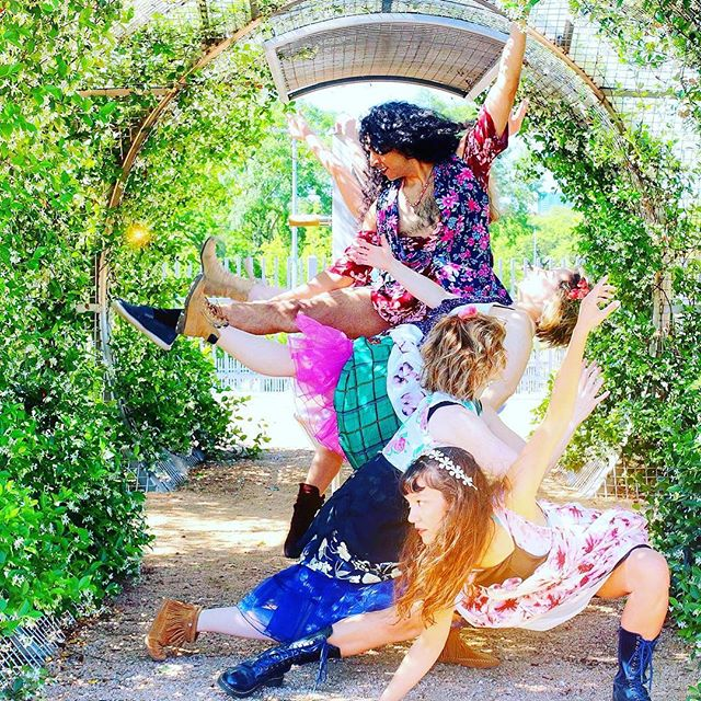 Happy Labor Day from @thepilotdanceproject ! Be sure to come see the company in a new work by @ashleyhorndance_and_design . The Sky Was Wild With Sunshine premieres September 14-16 only at @matchouston ! #yaydance #houdance #houarts #sunshine #florals #pilotdanceproject #moderndance