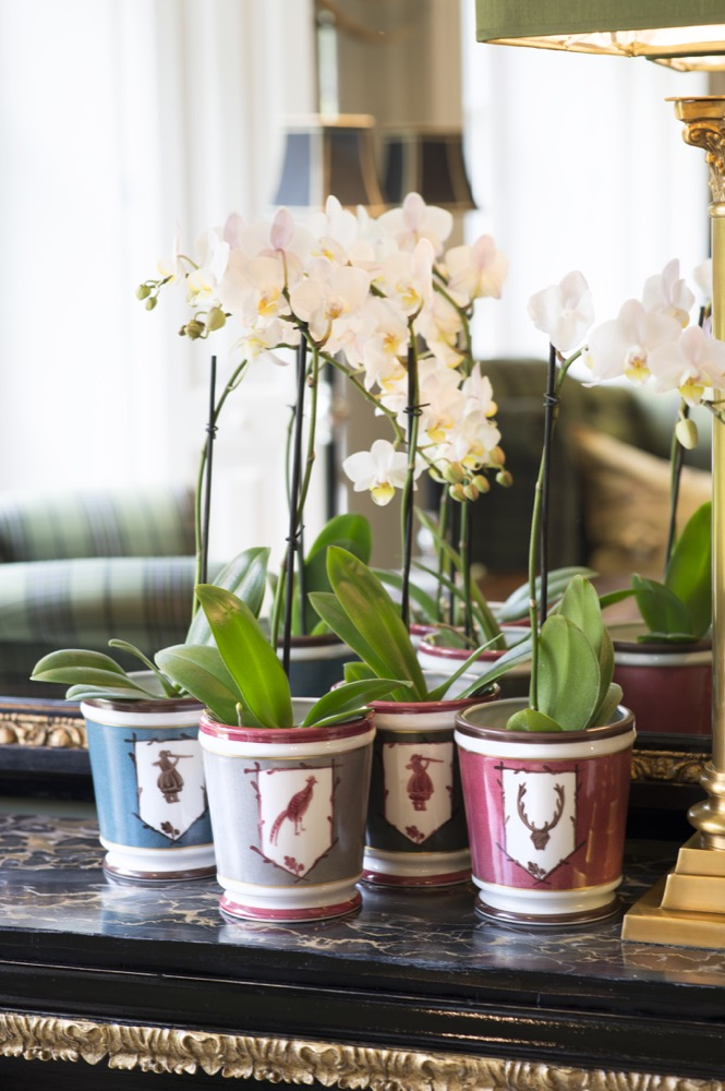 St_Hubert_-_Small_Planters___Candles_-_Rachel_s_Family_Room_-_Lifestyle_Shot_11.jpg