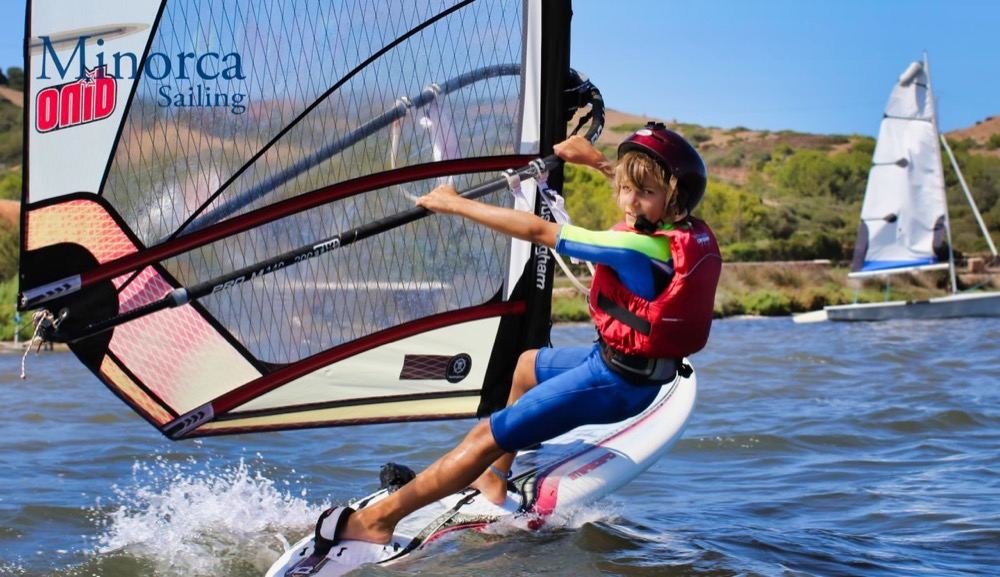 young_windsurfer_in_the_harness.jpeg