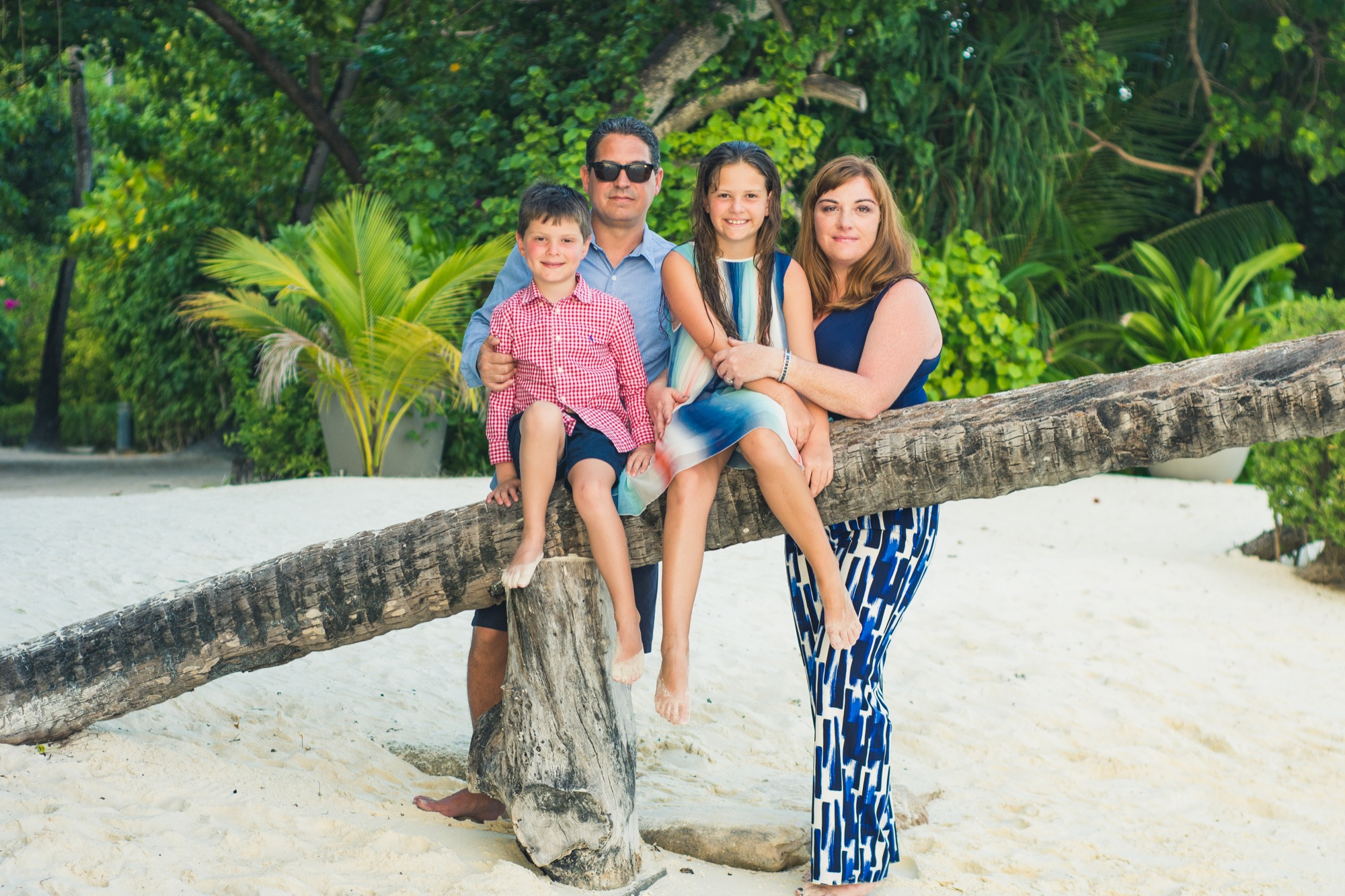 Kathryn_and_family_in_Maldives_.jpg