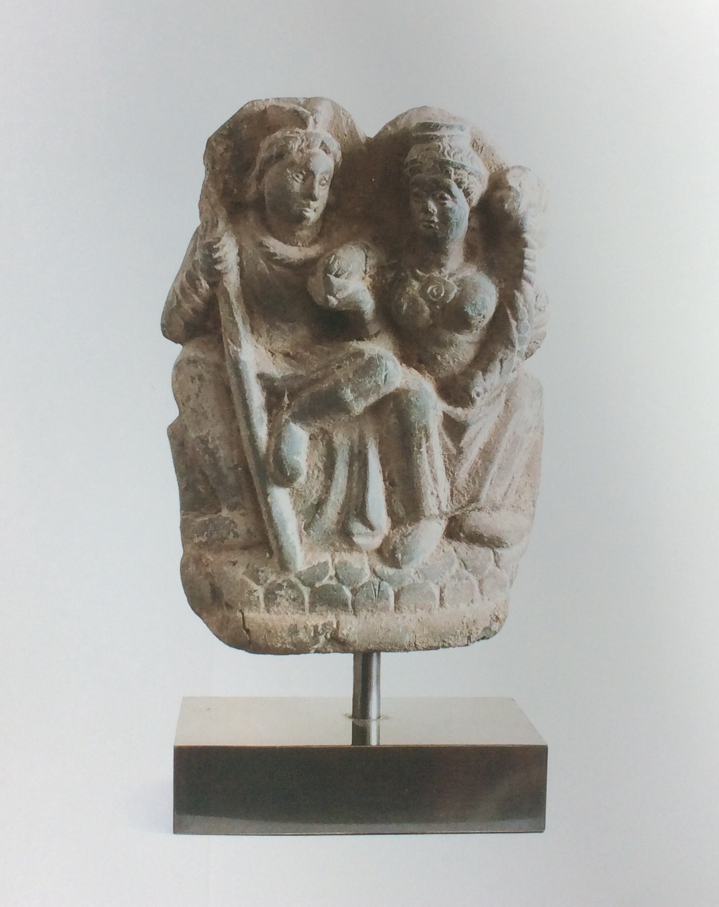 HR_ODYSSEY_ANTIQUITIES___COINS_Ghandaran_statuette_of_the_god_Panika___his_consort.jpeg