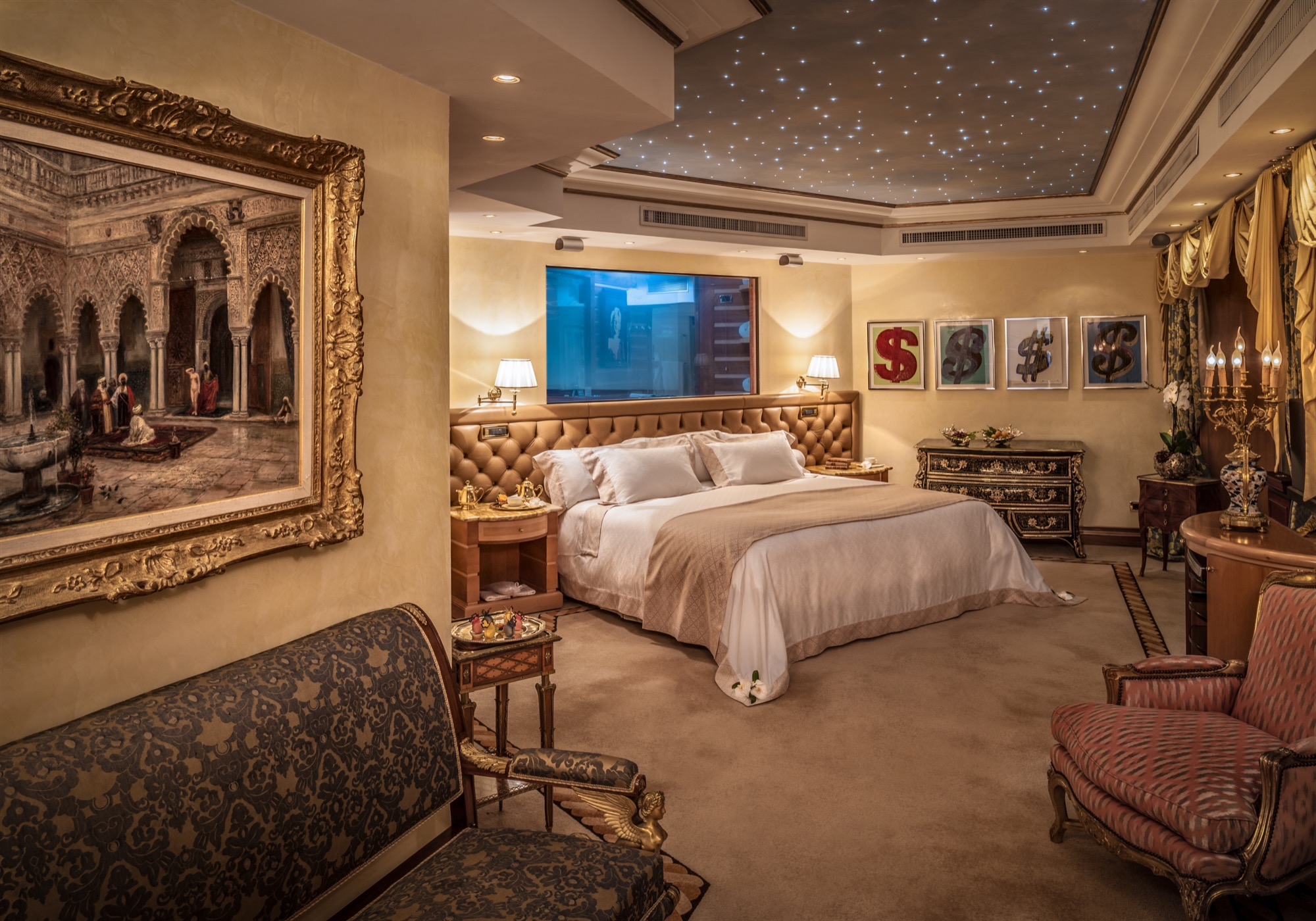 Penthouse Suite_Bedroom - Rome.jpg