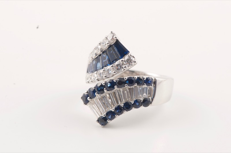 HR SHAPIRO & CO White gold mounted sapphire & diamond ring c 1970.jpg