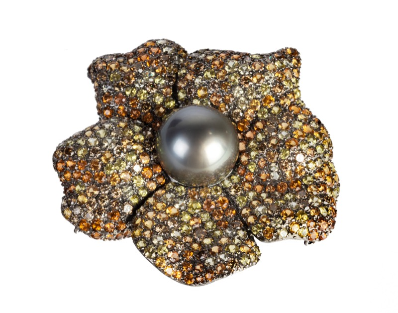 HR SHAPIRO & CO, 18 carat gold multi diamond & South Sea pearl brooch.jpg