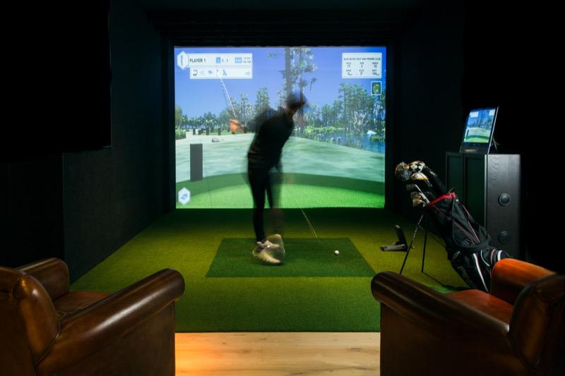 The_Range_-_golf_simulator_(1).jpg