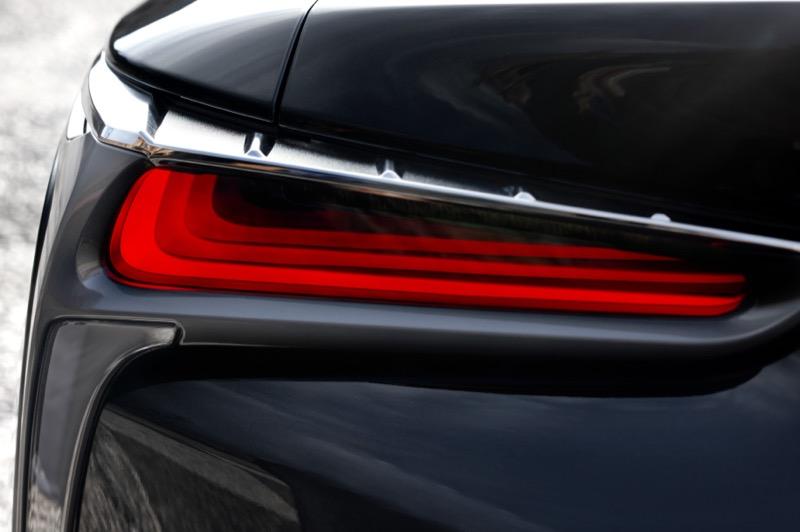 Lexus_LC500h_(9).jpg