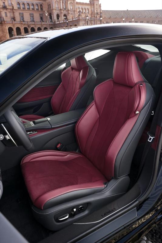 Lexus_LC500h_(12).jpg