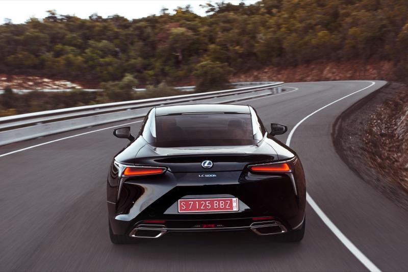 Lexus_LC500h_(66).jpg