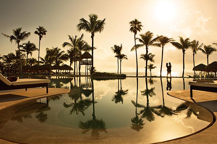 Couple___Infinity_Pool_-_sun_set.jpg