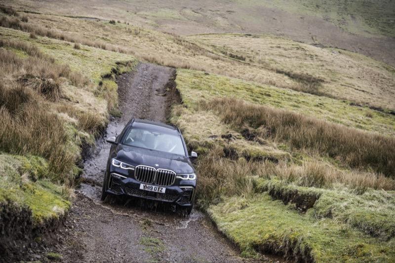 BMW_X7_M50d_(19).jpg