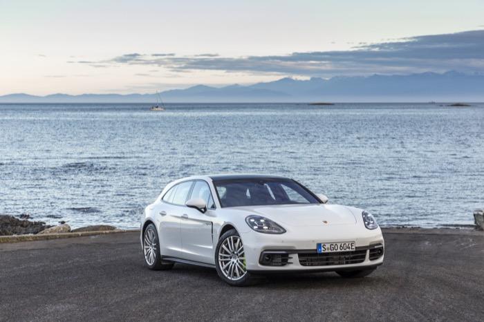 Porsche_Panamera_Sport_Turismo_-_Porsche_(2).jpg