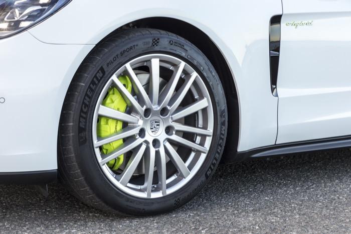 Porsche_Panamera_Sport_Turismo_-_Porsche_(14).jpg