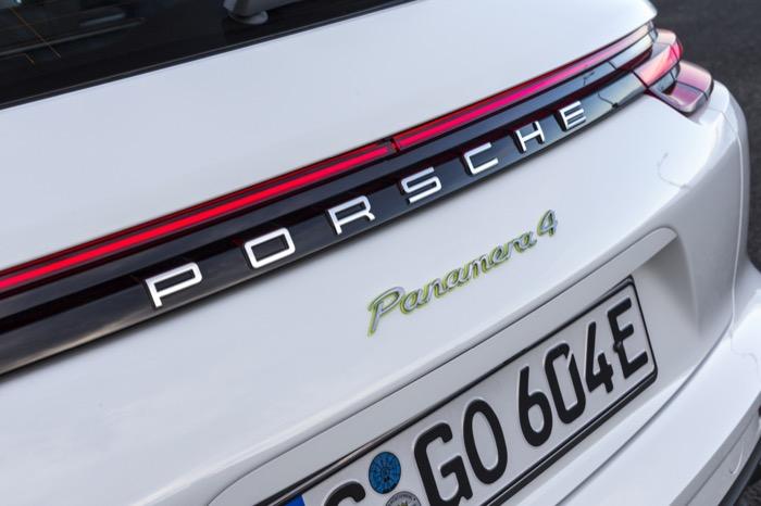Porsche_Panamera_Sport_Turismo_-_Porsche_(15).jpg