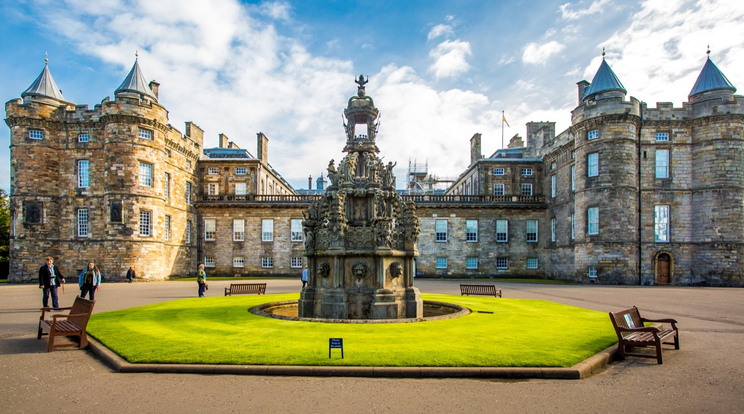 9-+The+Cheshire+Magazine+Edinburgh+Travel+City+Break+Palace+of+Holyroodhouse.jpg