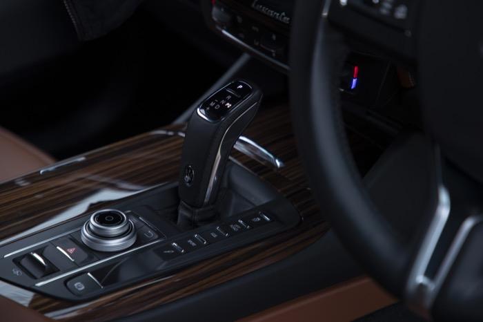 Maserati_Levante_S_GranLusso_-_M800_LEV_-_Blu_Nobile_(49).jpg