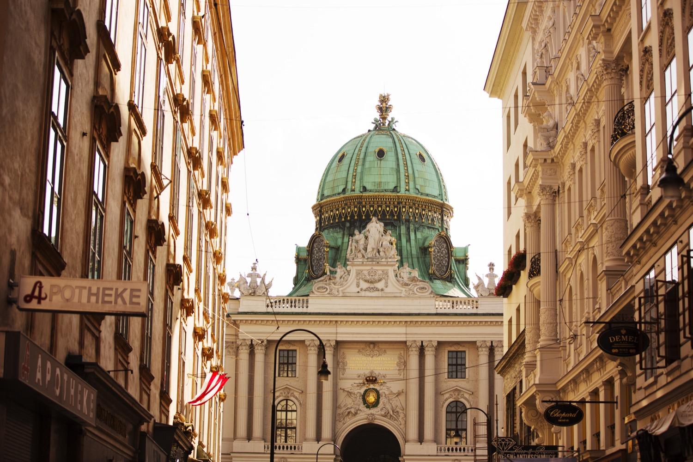 Hofburg - courtesy WienTourismus + Peter Rigaud.jpg