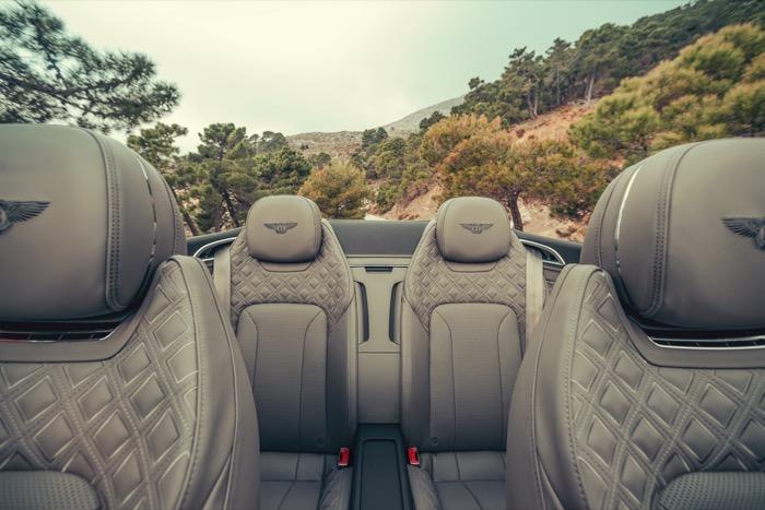 Bentley_Continental_GT_Convertible_(29).jpg
