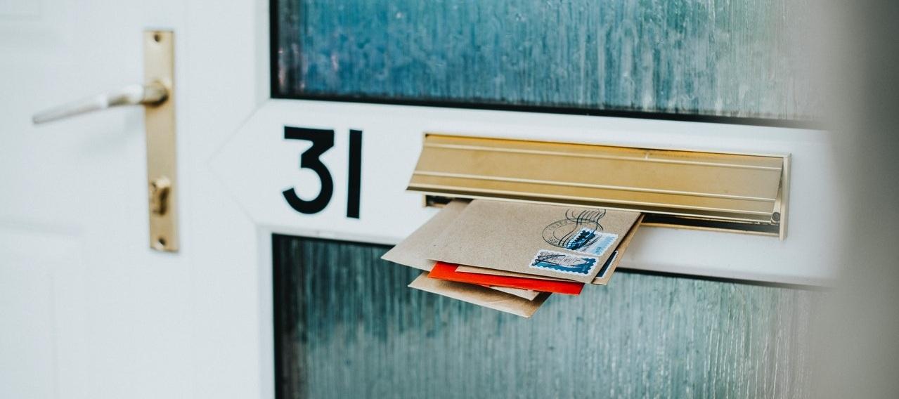 door-envelopes-mail-1877539.jpg