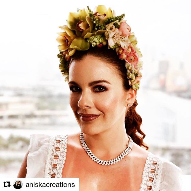 Trend Alert 🚨 The Flower Crown has rapidly become the hottest accessory this year.  Our good friends @aniskacreations say this has become the bridal accessory 'du jour' — let's get ready and #crownthemoment with our flowers!  #flowertrends #tropicalnouveau  #instaflowers