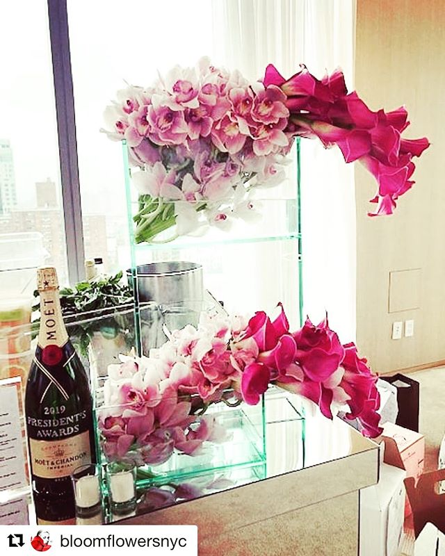 We're loving this modern and elegant design from our friends @bloomflowersnyc — We're happy our pink Del Monte Cymbidiums made this event!  Thankful for the opportunity. Let's keep blooming together!  #customerfamily #tropicalnouveau #cymbidiumcouture