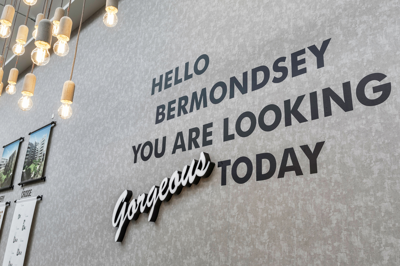 LONDON-SQUARE-Bermondsey-marketing-suite-008.jpg