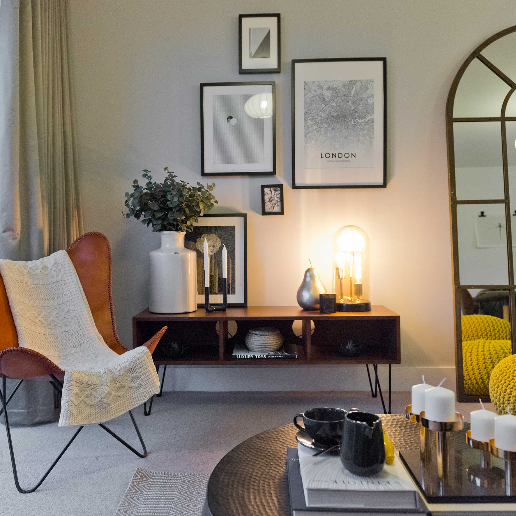 CLARION GROUP BLACKFRIARS PLACE LONDON SHOW HOME livng room.jpg