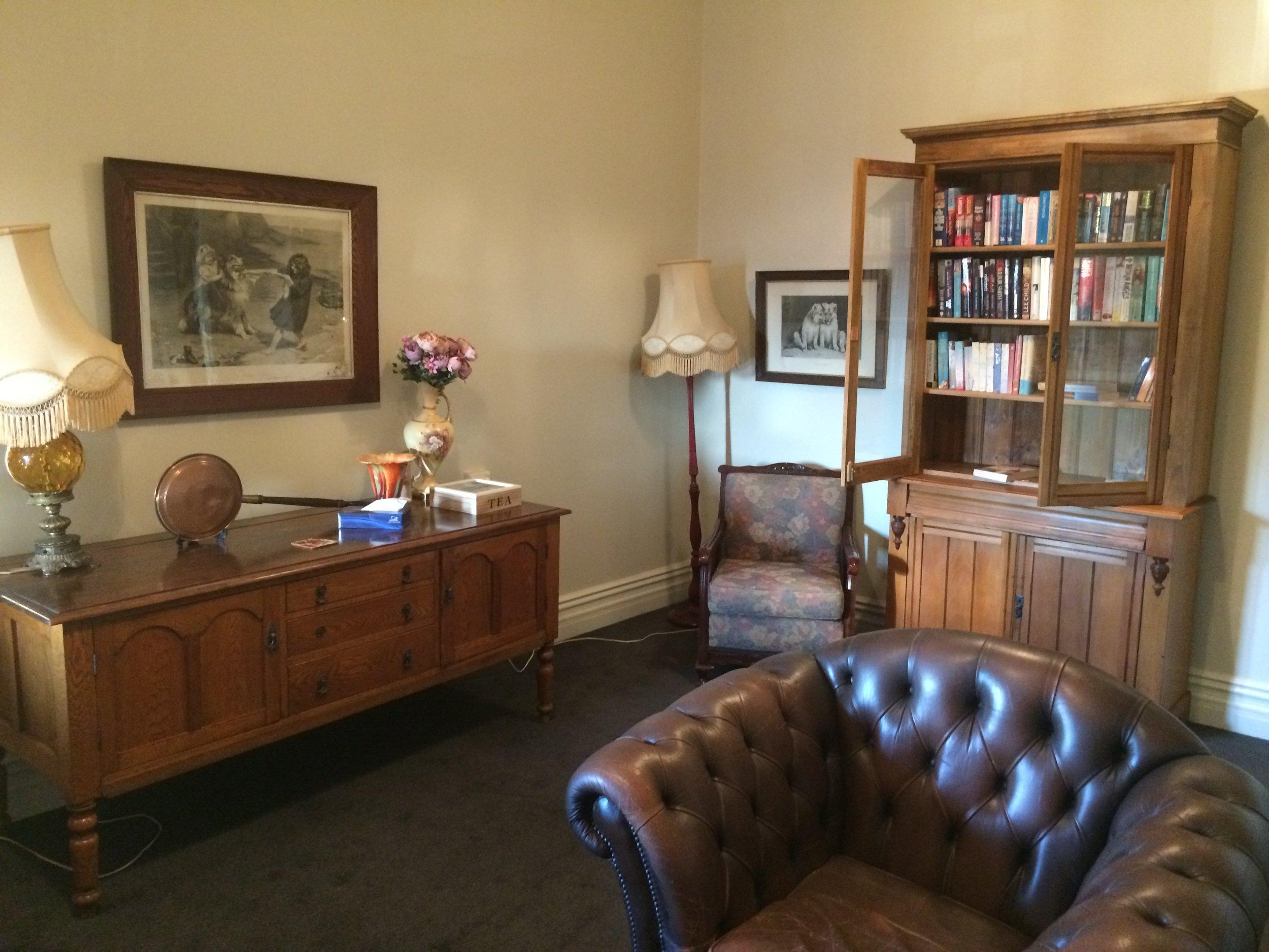 upstairs loungeroom - Copy.JPG