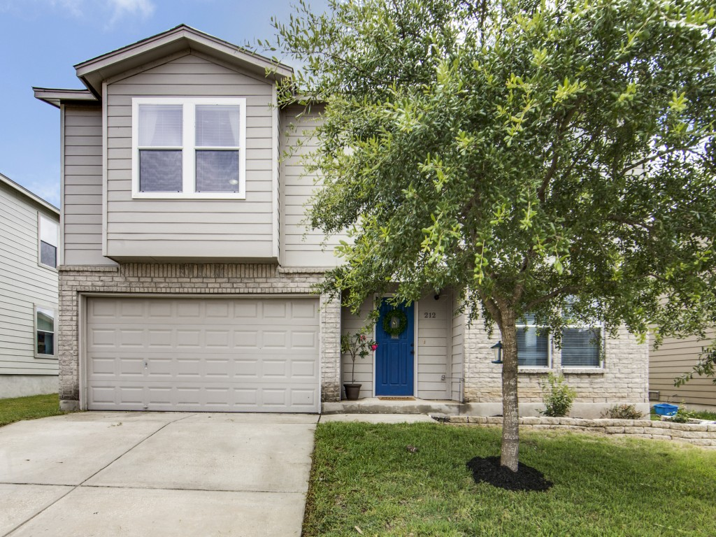 LO RES 212-gatewood-oak-cibolo-tx-MLS-1.jpg