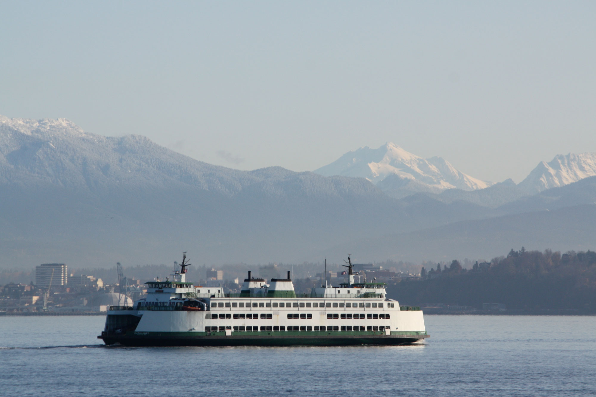 Blue-ferry-with-mountains_web.jpg