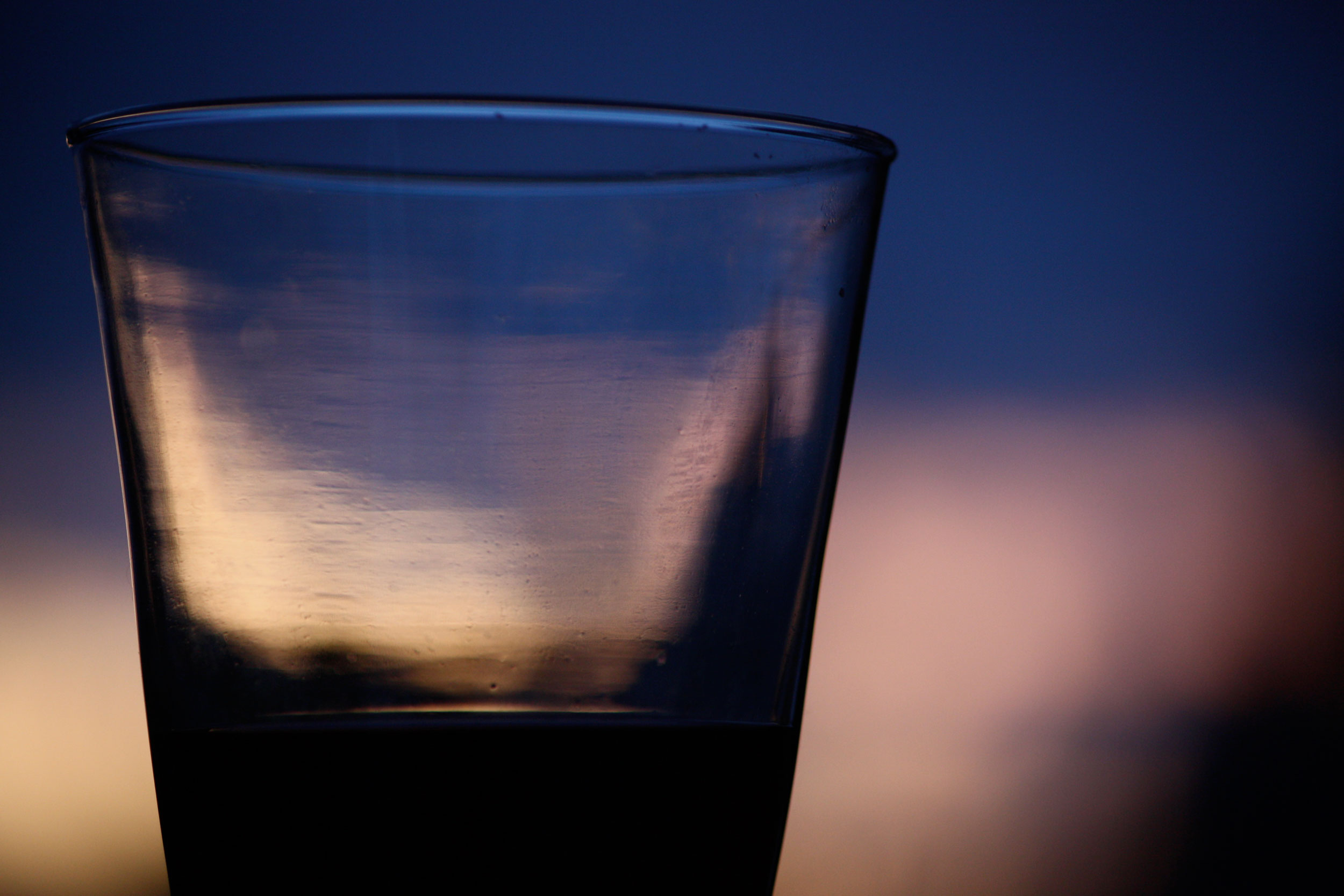 Cool-Blue-Evening-Light-Wine-Glass_web.jpg