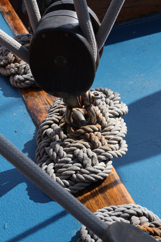 Rope on deck _web.jpeg