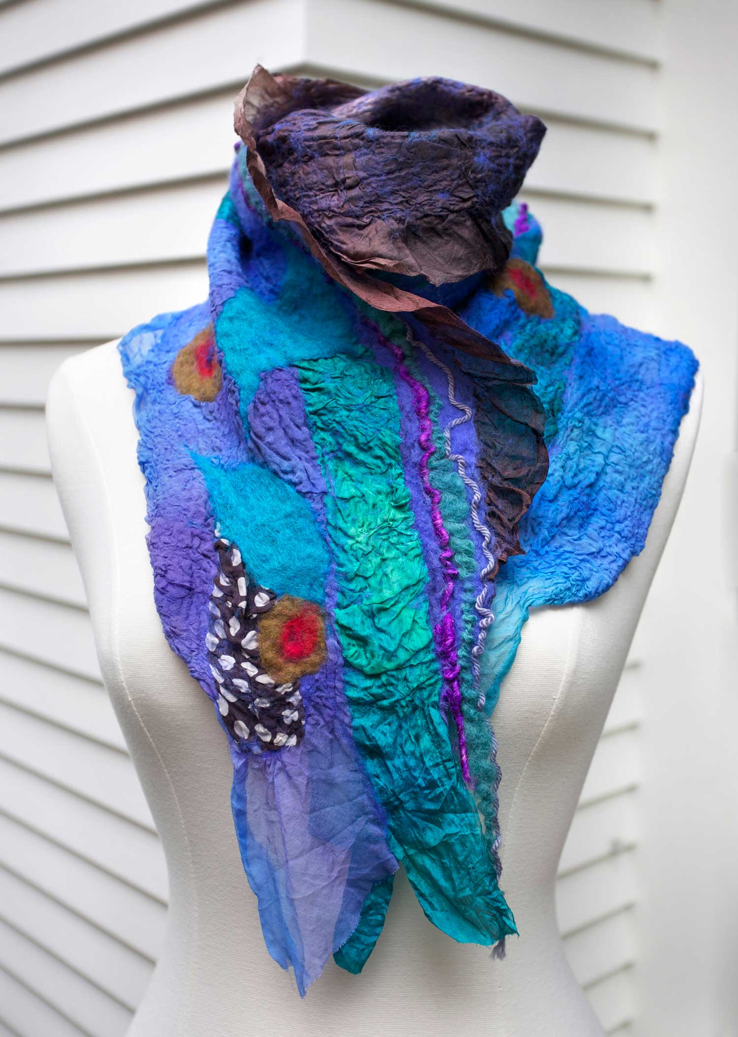 84_ArtVarMermaid_MermaidScarf_rgb_opt_web.jpg