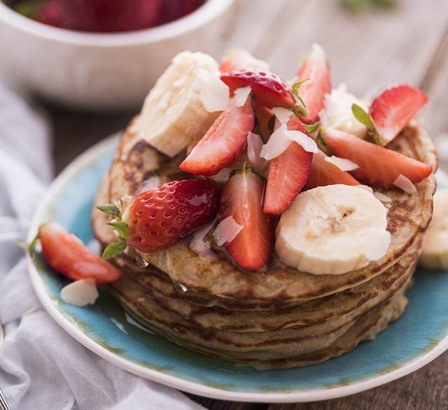 banana and raspberry pancakes