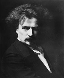Jan Paderewski, Polish pianist. A national hero in his native country who slept in one hell of a comfortable bed. Photo source: Wikicommons