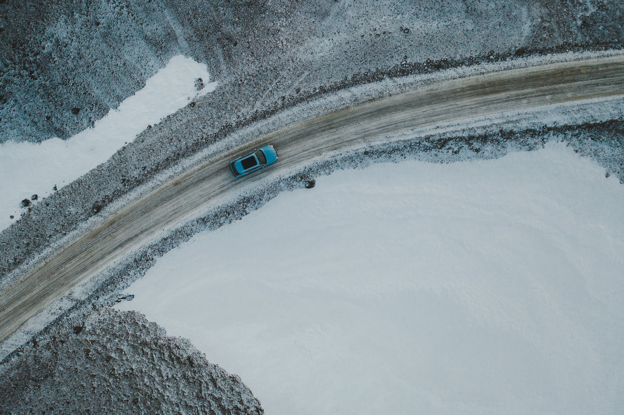 RP - Bentayga Iceland.jpg