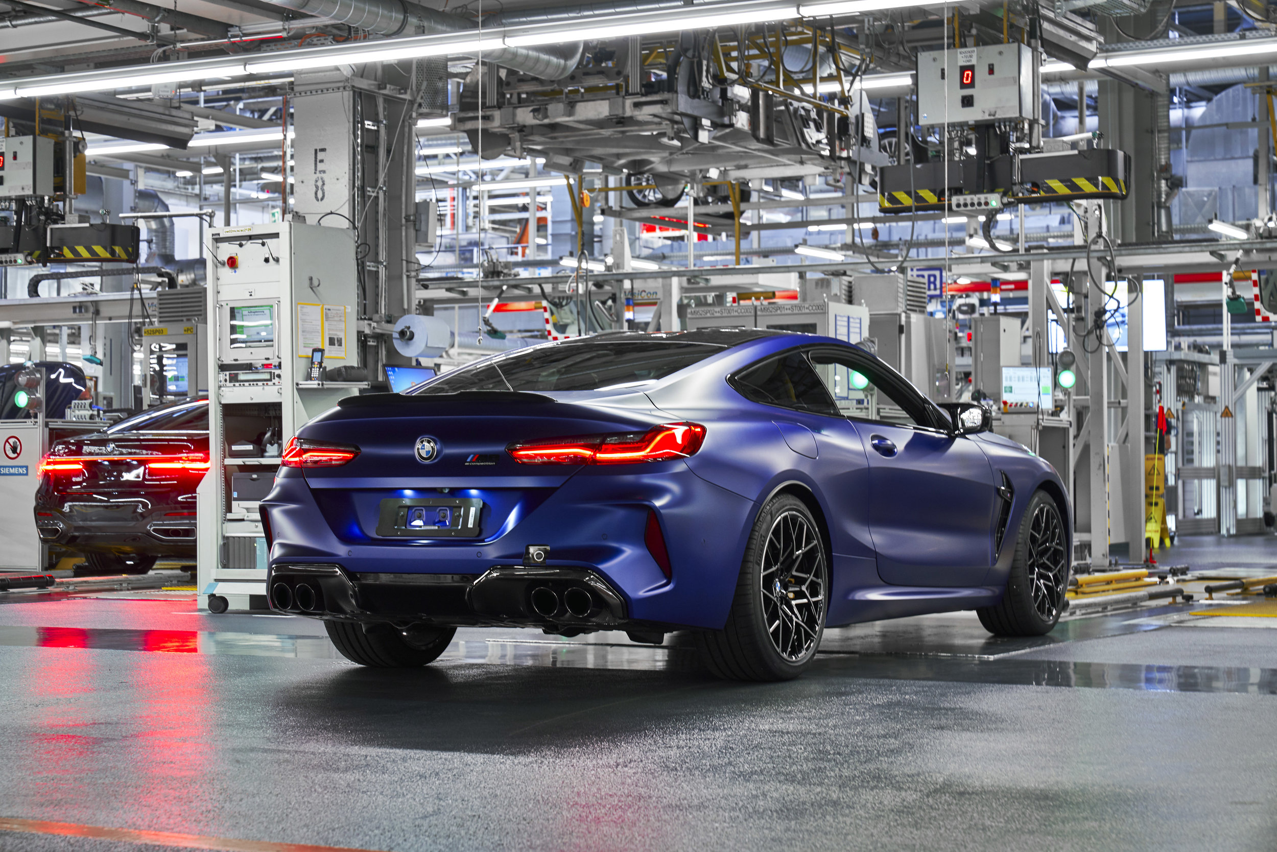 P90357032_highRes_the-new-bmw-m8-compe.jpg