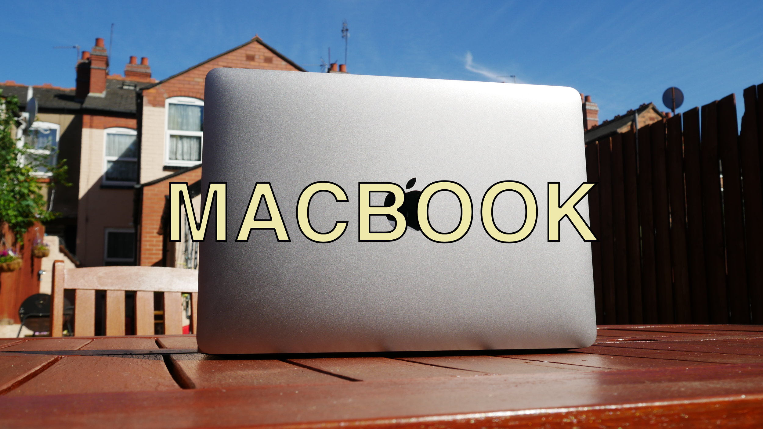 MACBOOK.JPG