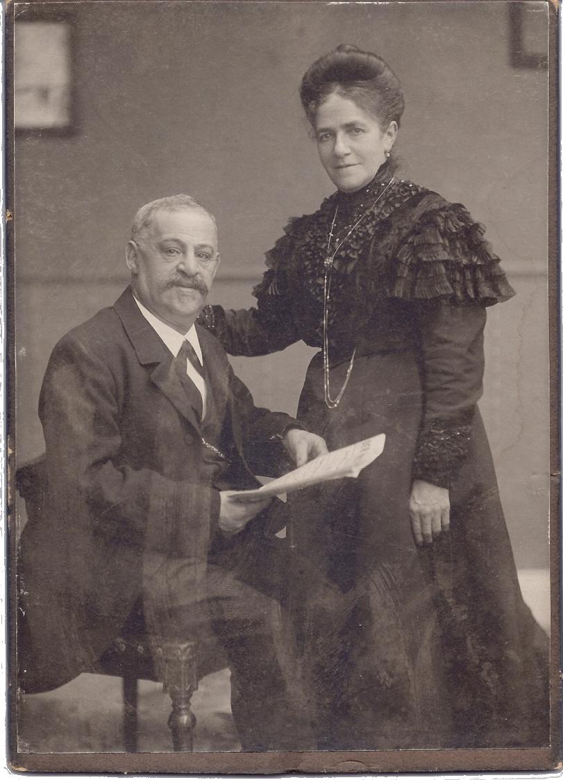 Das jüdische Ehepaar Ludwig und Nanette Wolf ist mit Kinderreichtum gesegnet. Acht ihrer 17 Kinder erreichen das Erwachsenenalter.