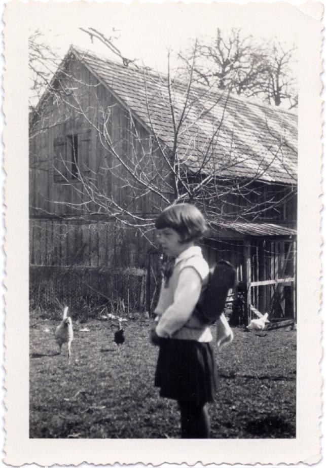 Hannelore Wolf als Schulkind    Dauerbewilligung (Dauerpassierschein) für Hannelore Wolf